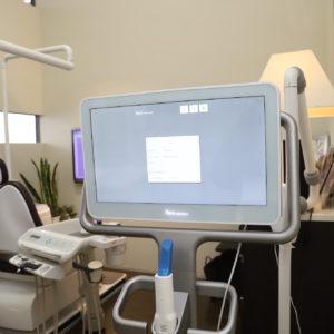矯正治療にも口腔内スキャナーがメジャーですのイメージ